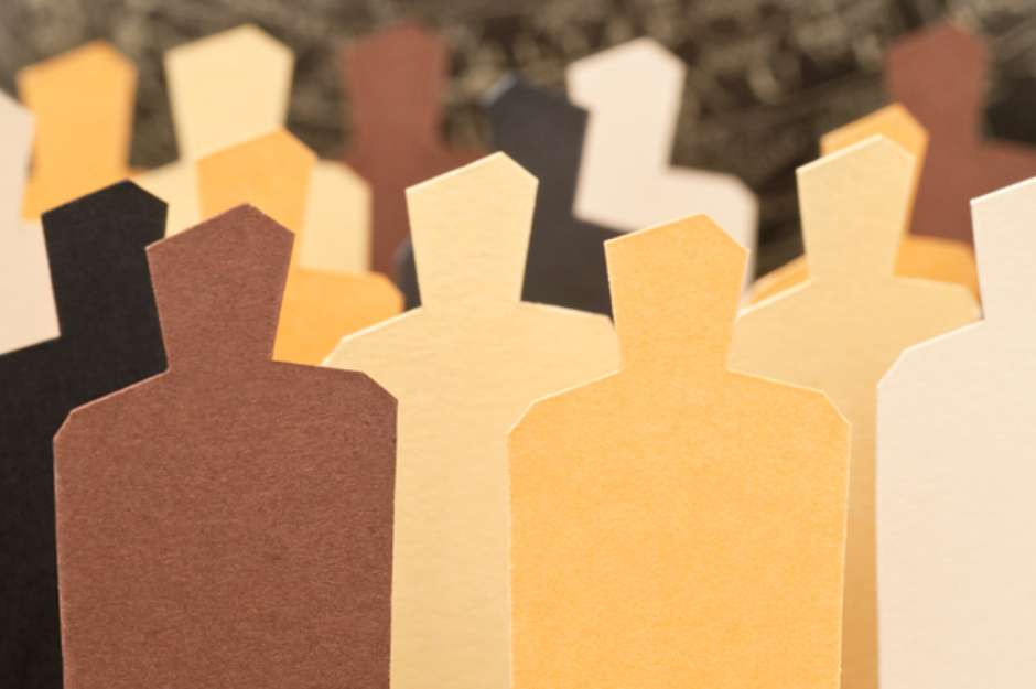 bonecos-de-papel-varias-cores